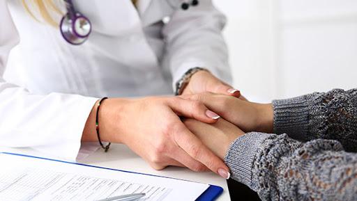 เรื่อง อ่านยันตัวใน 6 อาการของ ovarian เป็นมะเร็ง